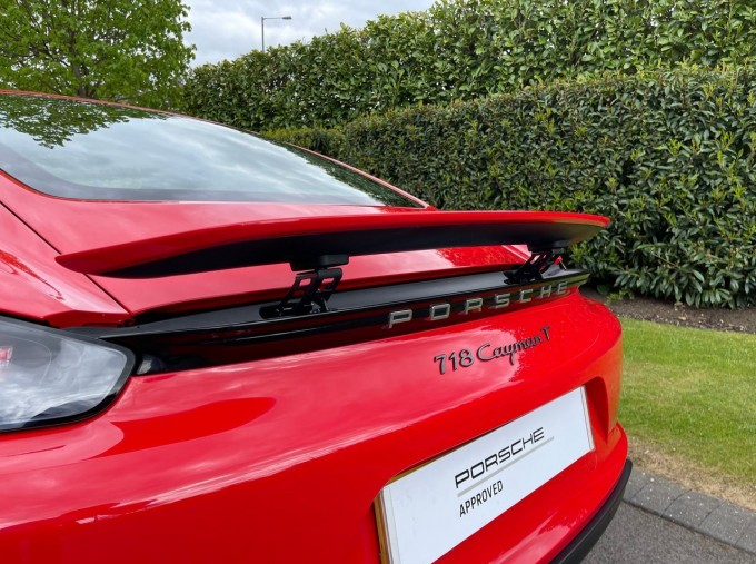 2019 Porsche T 2-door (Red) - Image: 27