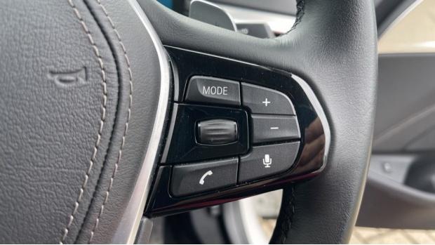 2018 BMW 520d xDrive SE Saloon (White) - Image: 18