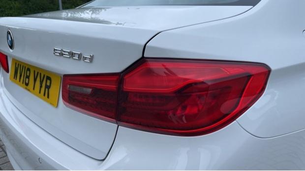 2018 BMW 520d xDrive SE Saloon (White) - Image: 21