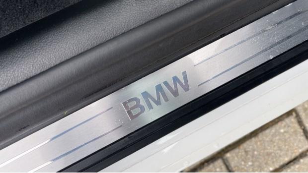 2018 BMW 520d xDrive SE Saloon (White) - Image: 25