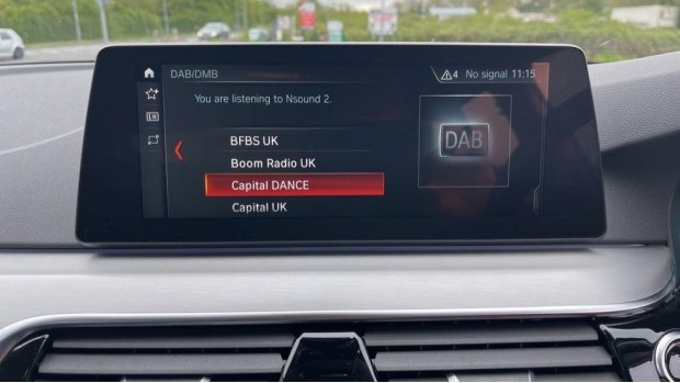 2018 BMW 520d xDrive SE Saloon (White) - Image: 38