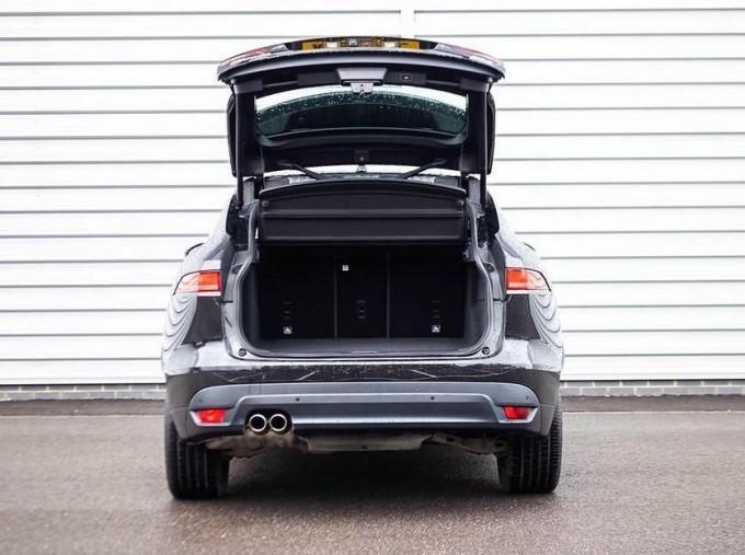 2017 Jaguar R-Sport Auto 5-door (Black) - Image: 20