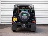 2015 Land Rover TD XS Station Wagon 3-door (Black) - Image: 6