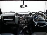 2015 Land Rover TD XS Station Wagon 3-door (Black) - Image: 9