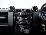 2015 Land Rover TD XS Station Wagon 3-door (Black) - Image: 11