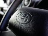 2015 Land Rover TD XS Station Wagon 3-door (Black) - Image: 14