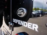 2015 Land Rover TD XS Station Wagon 3-door (Black) - Image: 17