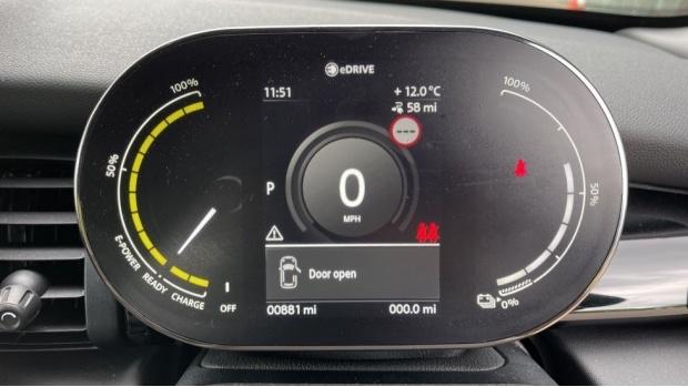 2021 MINI Electric Level 2 (Green) - Image: 9