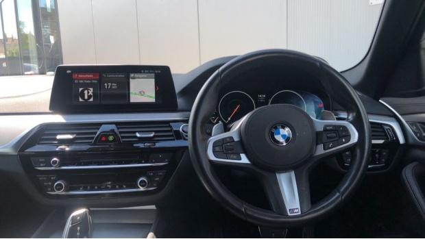 2019 BMW 520d M Sport Touring (White) - Image: 5