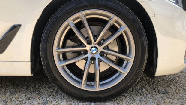 2019 BMW 520d M Sport Touring (White) - Image: 14