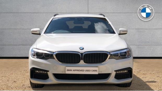 2019 BMW 520d M Sport Touring (White) - Image: 16