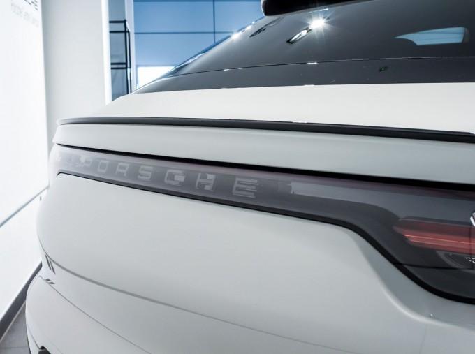 2020 Porsche V6 S Tiptronic 4WD 5-door  - Image: 8