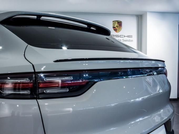2020 Porsche V6 S Tiptronic 4WD 5-door  - Image: 9