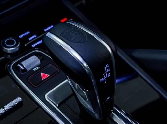 2020 Porsche V6 S Tiptronic 4WD 5-door  - Image: 25