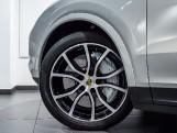2020 Porsche V6 S Tiptronic 4WD 5-door  - Image: 40