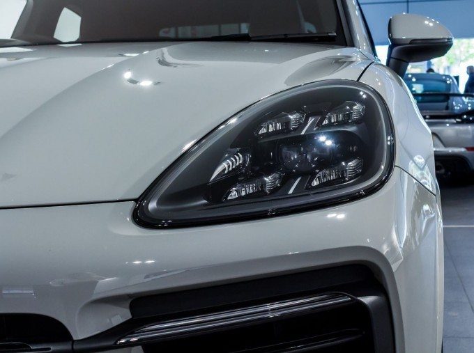 2020 Porsche V6 S Tiptronic 4WD 5-door  - Image: 43
