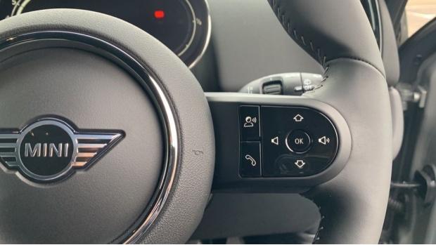 2021 MINI Cooper Exclusive (Grey) - Image: 18