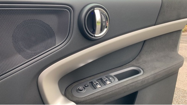 2021 MINI Cooper Exclusive (Grey) - Image: 20
