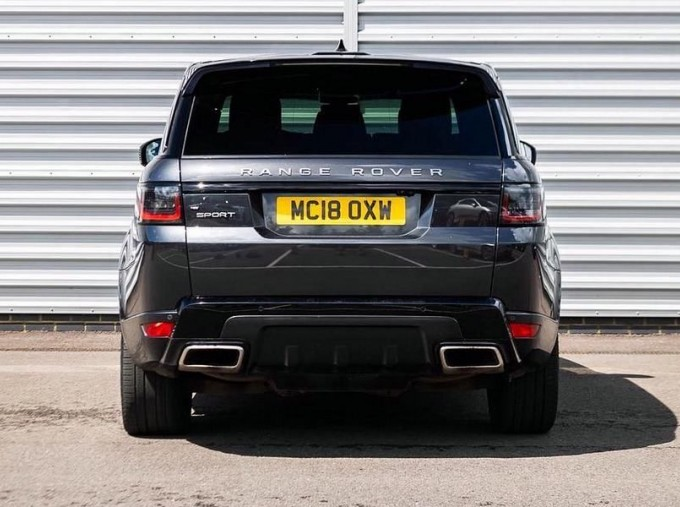 2018 Land Rover P400e 13.1kWh HSE Dynamic Auto 4WD 5-door (Grey) - Image: 6