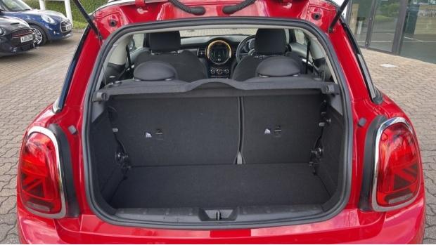 2018 MINI Cooper S 3-door Hatch (Red) - Image: 13