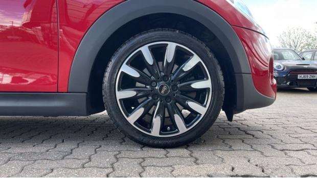 2018 MINI Cooper S 3-door Hatch (Red) - Image: 14
