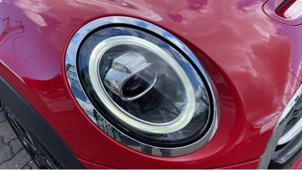 2018 MINI Cooper S 3-door Hatch (Red) - Image: 23