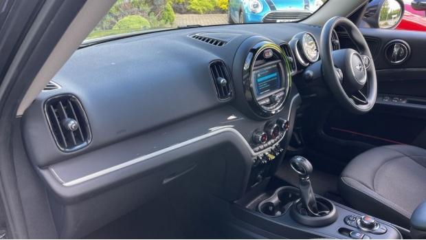 2019 MINI F60 Cooper S E Classic (Black) - Image: 7