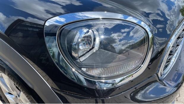 2019 MINI F60 Cooper S E Classic (Black) - Image: 23