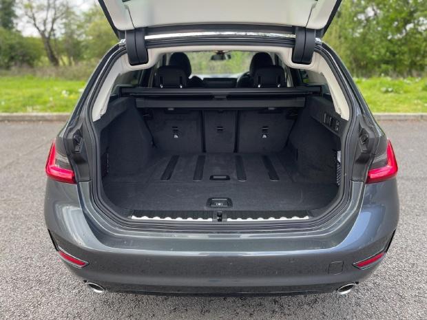 2021 BMW 320d Sport Touring Auto 5-door (Grey) - Image: 27