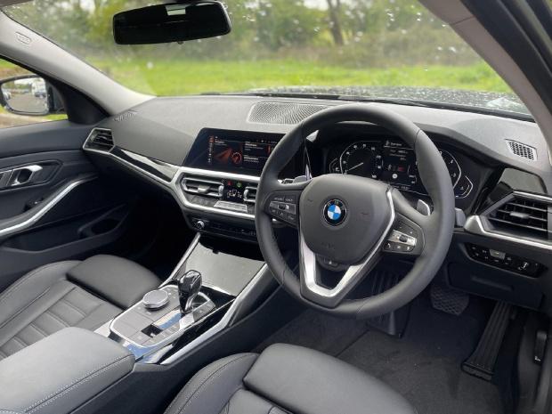 2021 BMW 320d Sport Touring Auto 5-door (Grey) - Image: 28