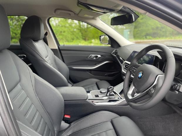 2021 BMW 320d Sport Touring Auto 5-door (Grey) - Image: 46