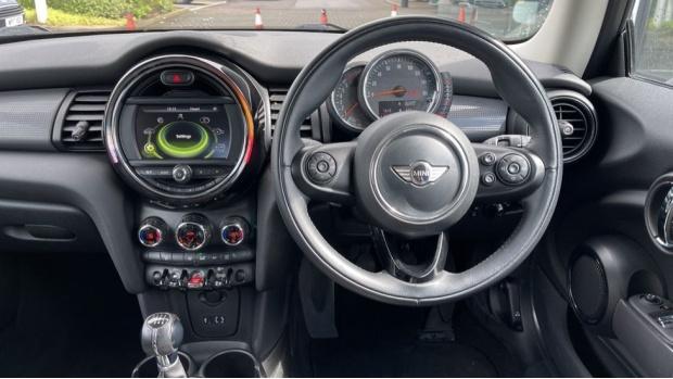 2016 MINI Cooper 3-door Hatch (White) - Image: 5