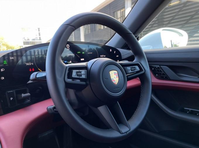 2020 Porsche 93.4kWh 4S Performance Auto 4WD 4-door (White) - Image: 12