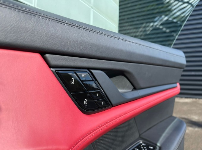 2020 Porsche 93.4kWh 4S Performance Auto 4WD 4-door (White) - Image: 14