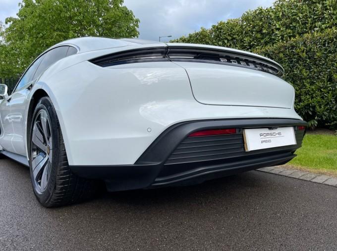 2020 Porsche 93.4kWh 4S Performance Auto 4WD 4-door (White) - Image: 26