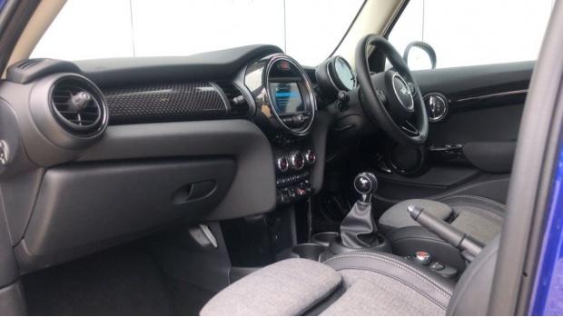 2018 MINI 5-door Cooper S (Blue) - Image: 7