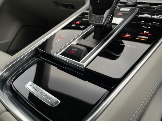 2021 Porsche V6 E-Hybrid 17.9kWh 4S PDK 4WD 4-door (White) - Image: 13