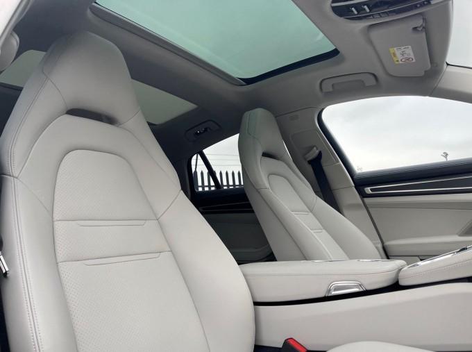 2021 Porsche V6 E-Hybrid 17.9kWh 4S PDK 4WD 4-door (White) - Image: 14