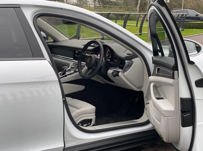 2021 Porsche V6 E-Hybrid 17.9kWh 4S PDK 4WD 4-door (White) - Image: 16