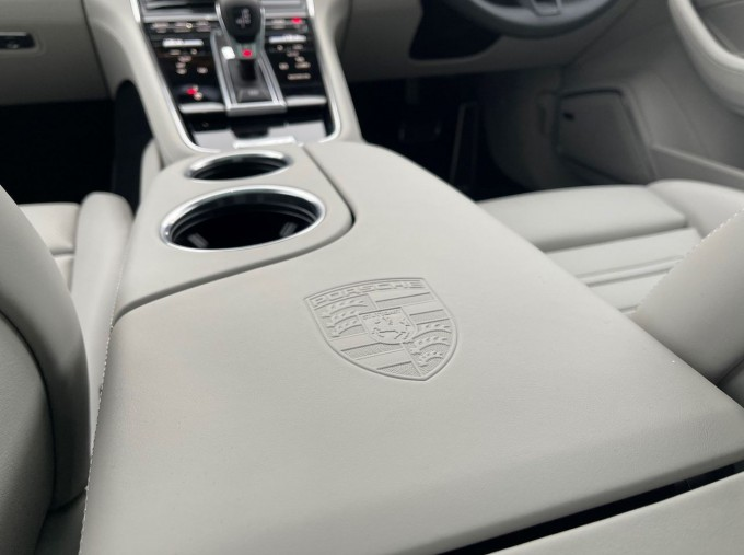 2021 Porsche V6 E-Hybrid 17.9kWh 4S PDK 4WD 4-door (White) - Image: 17