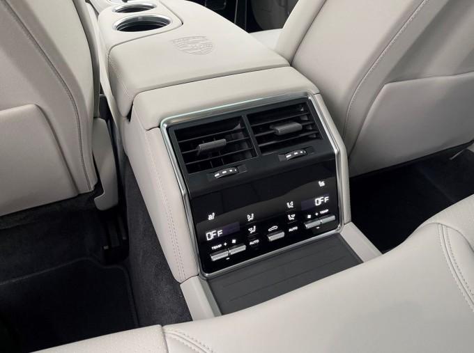 2021 Porsche V6 E-Hybrid 17.9kWh 4S PDK 4WD 4-door (White) - Image: 18