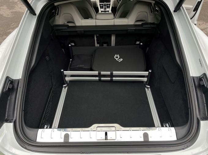 2021 Porsche V6 E-Hybrid 17.9kWh 4S PDK 4WD 4-door (White) - Image: 23