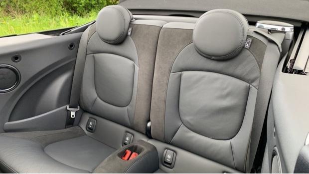 2020 MINI Cooper Sport (Grey) - Image: 12