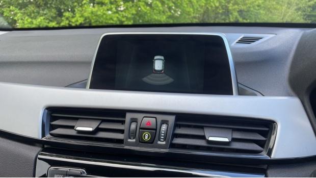2017 BMW SDrive18d SE (Black) - Image: 21
