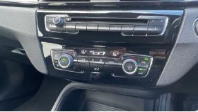 2017 BMW SDrive18d SE (Black) - Image: 22