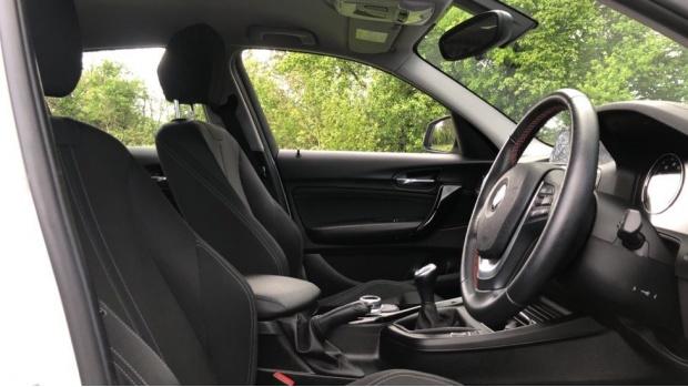 2018 BMW 118d Sport 5-door (White) - Image: 11