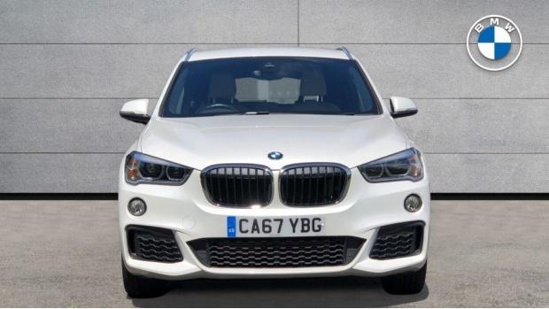 2017 BMW XDrive20i M Sport (White) - Image: 16