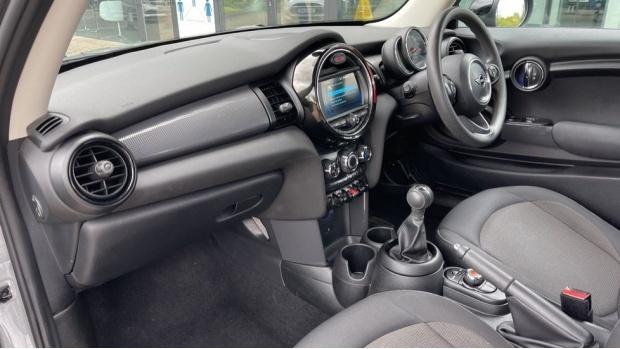 2019 MINI 3-door Cooper Classic (Grey) - Image: 7