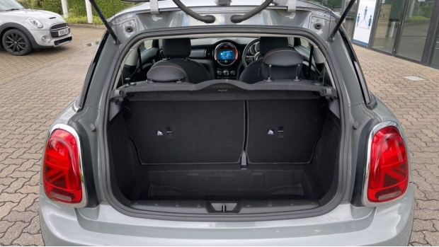 2019 MINI 3-door Cooper Classic (Grey) - Image: 13