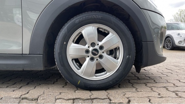 2019 MINI 3-door Cooper Classic (Grey) - Image: 14